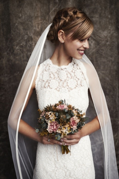 Visionary Shopping Guide for Petite Bridal Gowns